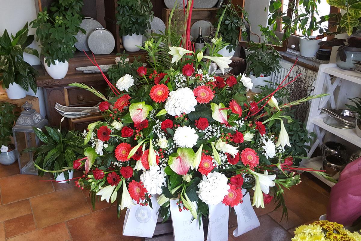 Trauergesteck - Blumenparadies Schulze Bernburg